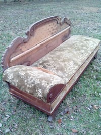 Antique sleeper sofa/ Victorian fainting couch/ Antique