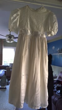 Gorgeous flower girl dress from England Vaughan, L4K 2L3