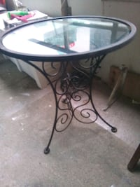 Beautiful wrought iron table with glass top Toronto, M4Y 2L1