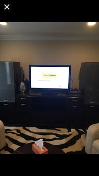 Entertainment Center Springfield, 22152