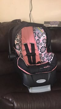 Baby's black and pink car seat McAllen, 78501