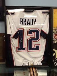 Tom Brady Patriots Jersey Signed With COA 68 km