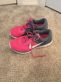 Nike shoes- size 9 Bozeman