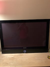 """Samsung 43"""" TV 720p . High quality built in sound bar Centreville, 20120"""