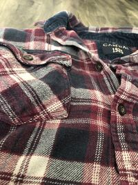 Mns baggy plaid shirt Burnaby, V5H 1R4