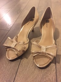 Light Gold Kitten Heels with Bow Surrey, V3R
