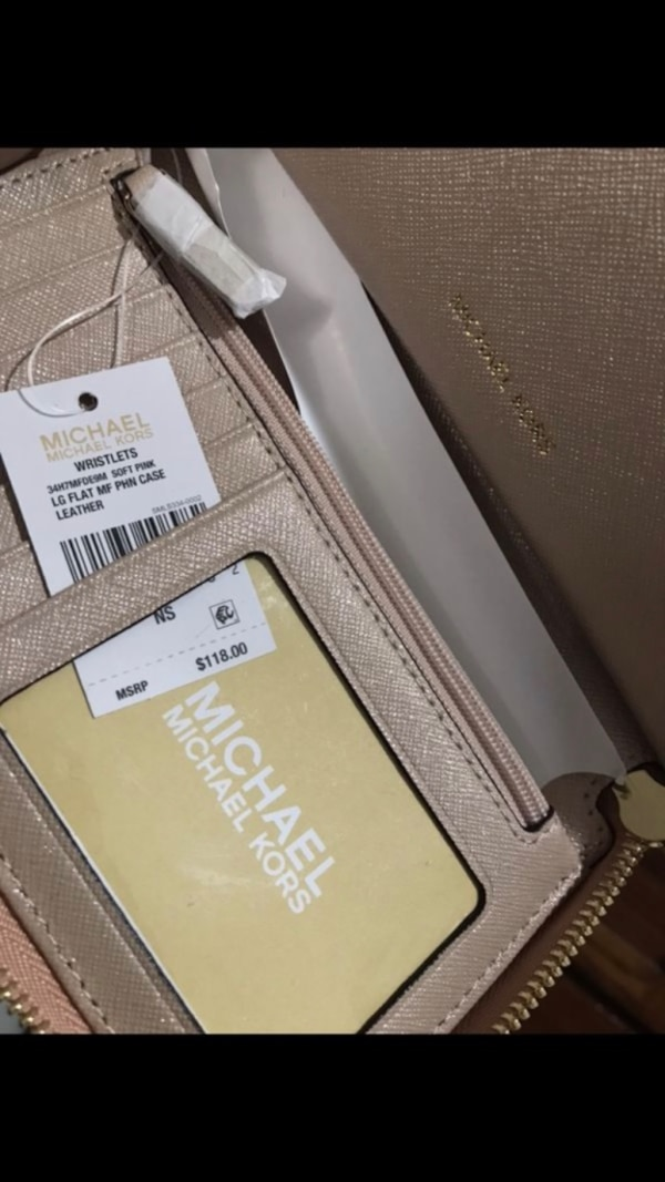 30bd129f1b99 Used Michael Kors wallet for sale in Pacifica - letgo