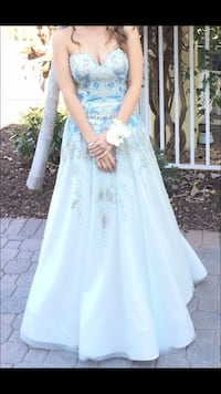 women's white floral wedding gown Lake Worth, 33460