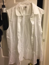 Brand new top shirt $10 medium  Fairfax, 22032