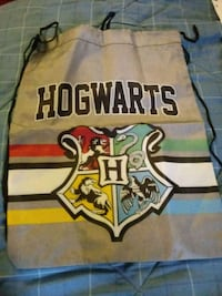 Harry potter book bag an paper file 10$ 452 mi