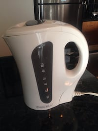white Proctor Silex electric kettle