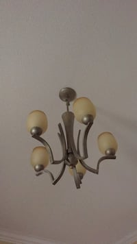Chandelier ceiling light fixture  Vaughan, L6A