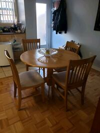 5 pce kitchen table set ***SOLD****