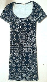 Women's Paisley Dress - Small Red Deer, T4P 4G5