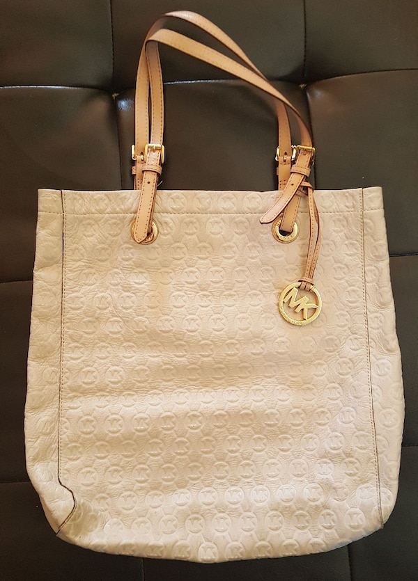 b45a1ec2b7b8 Used Mk Purse for sale in Beggs - letgo
