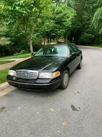 Ford - Crown Victoria - 2003 Knoxville