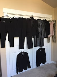 Lot of women's clothes  Bothell, 98021