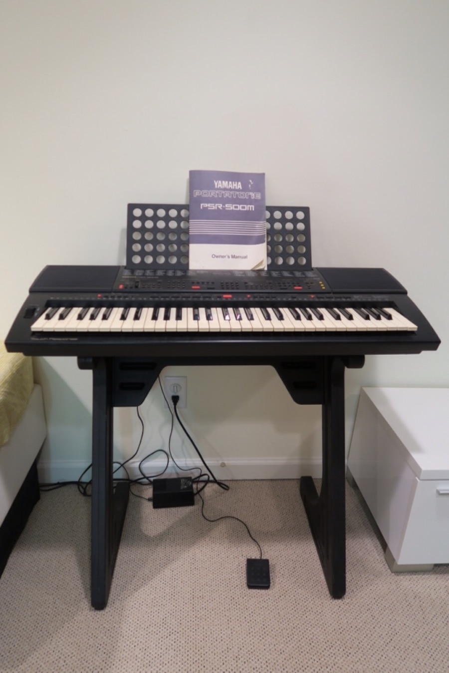 letgo yamaha psr 500 m keyboard in glenbrook ct. Black Bedroom Furniture Sets. Home Design Ideas