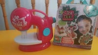 Sew cool kids sewing machine and 1 project kit with 5 projects