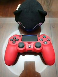 DualShock 4 Magma Red Like New Condition  Los Angeles, 91306