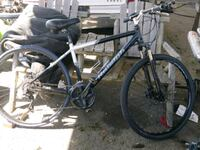 Men's Raleigh bike with disc brakes Seattle, 98118