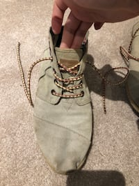 pair of gray suede lace-up boots Springwater, L9X 1L3