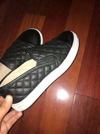 pair of black-and-white low top sneakers Cranston, 02921