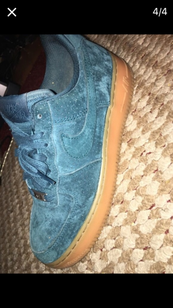 b2c7f52eb3c2 Used blue nike low tops for sale in Clinton - letgo
