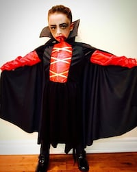 Dracula Halloween costume unisex child 4-7yr old
