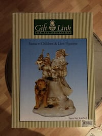 Gift link santa w/children & lion figurine box
