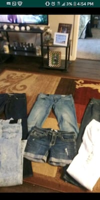 5 pairs of jeans and 1 pair of jeans shorts San Jose, 95128