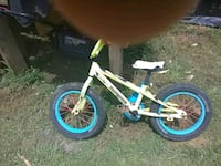 Kids bike needs new seat great tires and chain Odenville, 35120