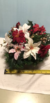 Holiday arrangement Waterford, 06385