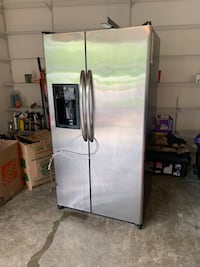 GE® 25.3 Cu. Ft. Side-By-Side Refrigerator GSH25JSDBSS Purcellville, 20132