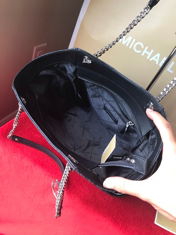 ab4b5c0fe448 Used New With Tags Michael Kors Set for sale in Melbourne - letgo