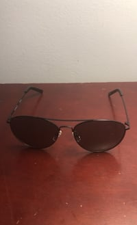 Selling a pair of men's Tommy Hilfiger glasses no scratches on the  Mississauga, L4T