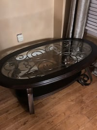 Price drop!! Coffee table and lamp $225 Pickering