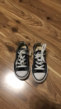 NEW kids converse running shoes- size 12 Mississauga, L4Z