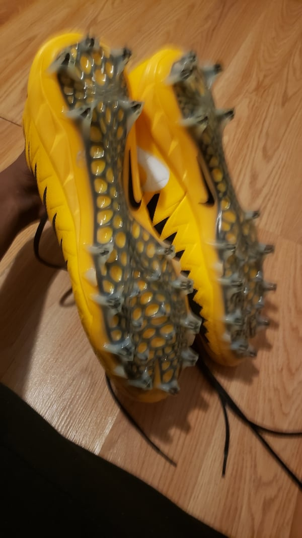 Shoes size 14 soccer cleats  3