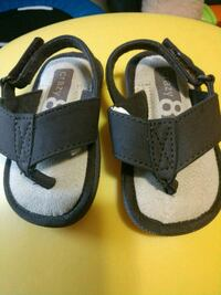 Crazy 8 flops toddler size 3/4 Bowling Green, 42104