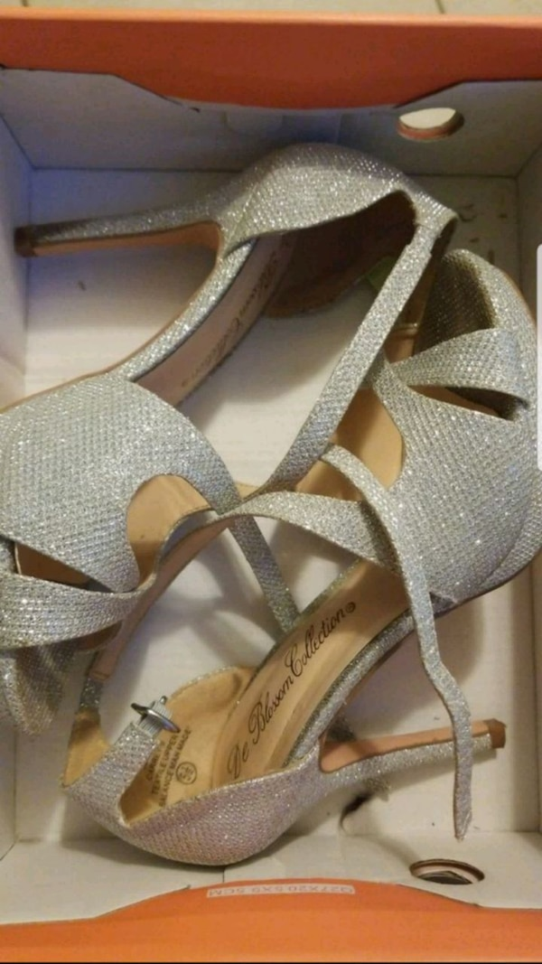 c7142bfde9f Silver heels