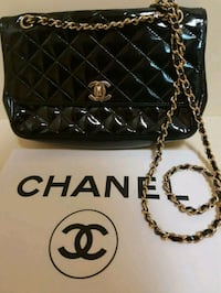 Classic  chanel  bag  Whitby, L1N 8X2