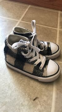 Converse all-star toddler shoes size 7 La Verne, 91750