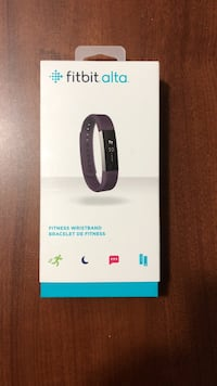 Fitbit Alta plum. Excellent condition