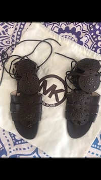 Micheal Kors Brown Leather Gladiator Sandals size 9.5 Victoria, V9A 3L5