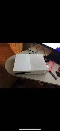 white Xbox One with controller San Antonio, 78232