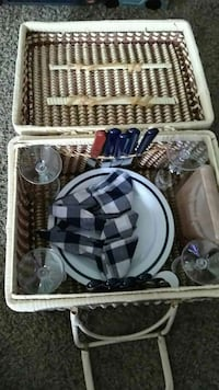 white woven picnic basket PICK UP ONLY!!!!