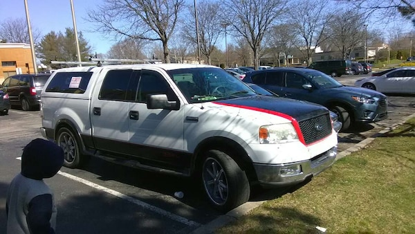 White Ford F 150 Crew Cab With Camper Shell