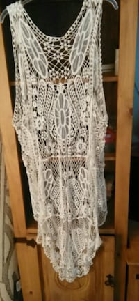 white  crochet  top this is the back  Bossier City, 71112