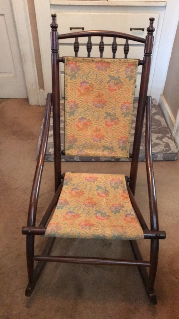 Swell Antique Childs Rocking Chair Interior Design Ideas Inamawefileorg